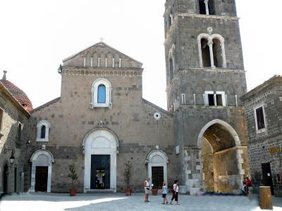 Special T Si >> Speciale: il borgo medioevale di Casertavecchia