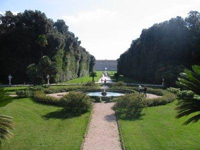 Patrimoni unesco di caserta il parco della reggia di - Giardini con fontane ...